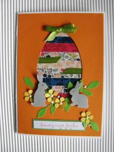 Zajączek i jajko: kartka ręcznie robiona na Wielkanoc