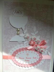 Kartka handmade z życzeniami na pierwszą komunię - kielich na różowym tle