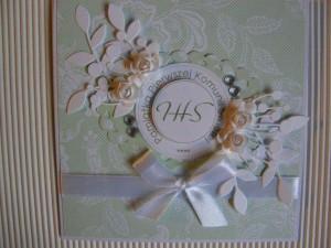 Kartka handmade z życzeniami na pierwszą komunię - zielona z hostią